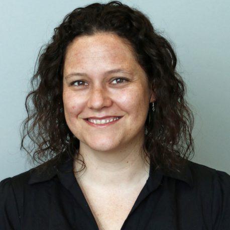 Anna Valdinger